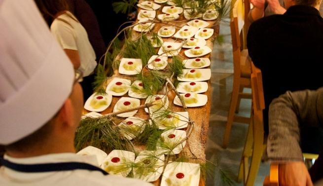 delivering_chef_michael_stadtlanders_gateaux_nippon_table_side_9sc_4521_-_version_2_0