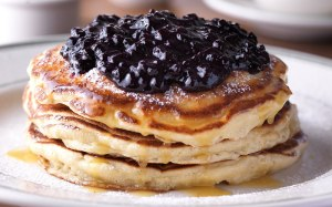 Clinton-St-Baking-Company-Restaurant-Pancakes-with-Warm-Maple-Butter-Wild-Blueberries